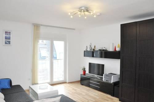 Gepflegte 2-Zimmer-Wohnung mit Balkon bei der Meidlinger Hauptstraße