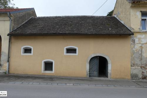 Presshaus mit Weinkeller