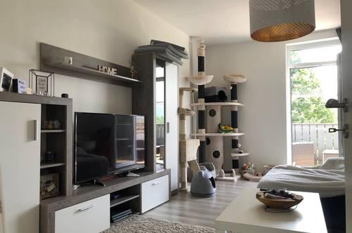 Hochwertig sanierte 2-Zimmer Wohnung mit Balkon in ruhiger Aussichtslage in Rosental!