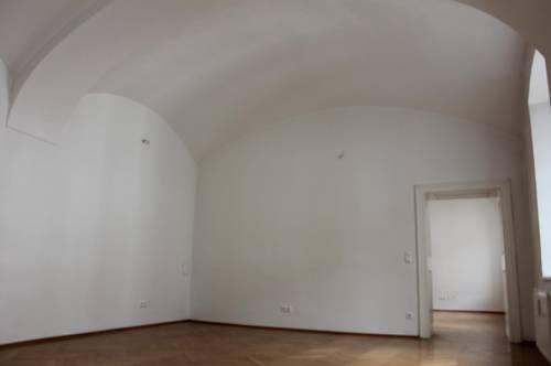 Büro in zentraler Lage mit Küche