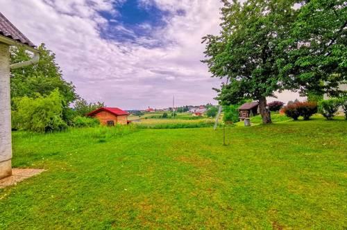 Thermennähe: Dreikanthof in schöner Aussichtslage