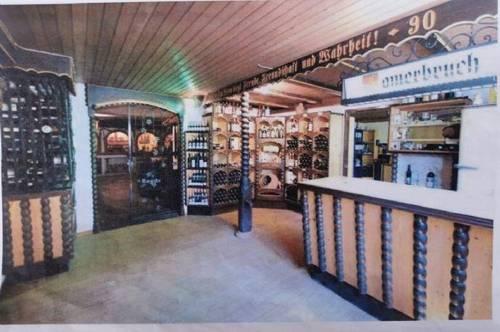 Vinothek - Weinkeller mit Raum für Feierlichkeiten