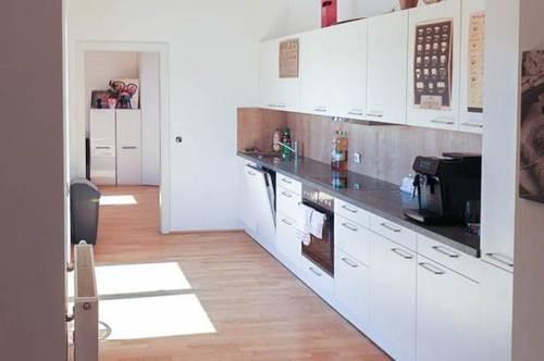 Freundliche 2- Zimmer Wohnung mit Küche