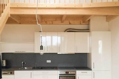Gepflegte Maisonette 2 ZI-Neubauwohnung mit Küche und Emporé