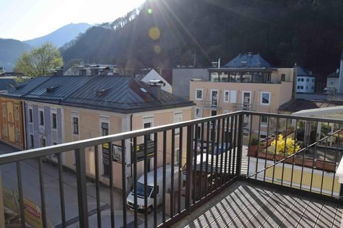 ANDRÄVIERTEL: Wunderschöne 2-Zimmer-Altbauwohnung mit Balkon, 66qm
