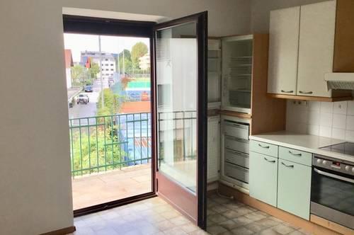 NÄHE SALZACH/FROSCHHEIM: Sonnige 3-Zimmer Wohnung mit Balkon ins Grüne