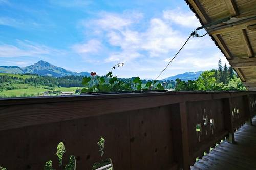 Wunderschöne Dachgeschosswohnung im Bauernhaus