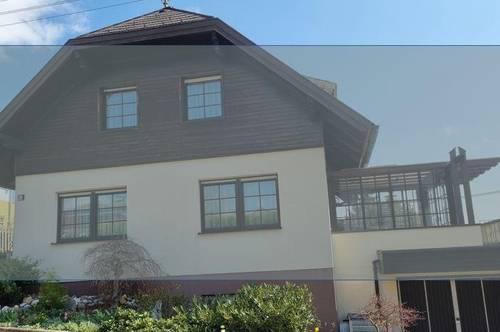 Wunderschönes Haus mit Büro/ Einliegerwohnung und sonnigem Garten in Vöcklabruck