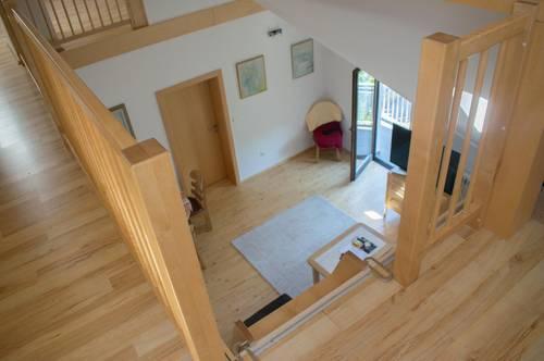 Lichtdurchflutete - Dachgeschoss  Wohnung in Mariatrost + Garconniere