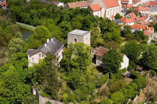 STADTBURG von EGGENBURG - Gründerzeitvilla, Renaissance Stöckl, Burgfried, Park