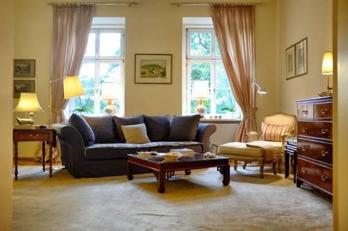 Altbauwohnung hochwertig möbliert und komplett ausgestattet.