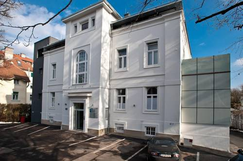 Top sanierte 2-Zi-Wohnung in repräsentativer Altbauvilla! Provisionsfrei! Top 1C