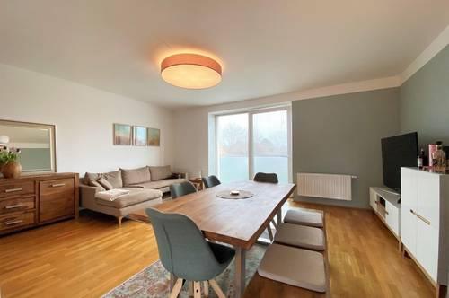 Wunderschöne 3-Zimmer Wohnung   Balkon   Einbauküche   WG tauglich