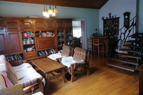 Sanierungsbedürftiges Einfamilienhaus In schönster Wohngegend - zu Verkaufen