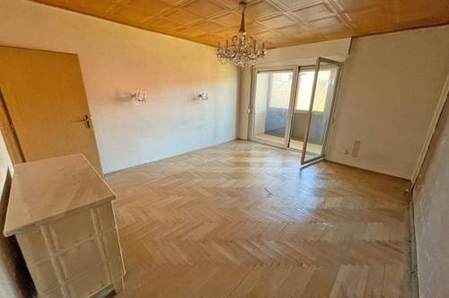 Helle, geräumige Eigentumswohnung mit Loggia und Balkon ...!