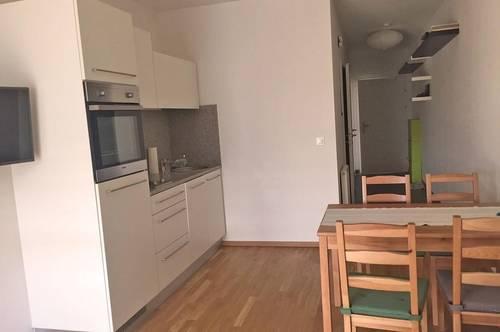 Voll möblierte Singlewohnung mit Balkon in zentraler Lage ...!