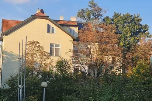 Ruhig gelegene sonnige Hietzinger-Villa, 1.260qm großer Garten, nach Vereinbarung bestandsfrei, moderates Erweiterungspotential ...
