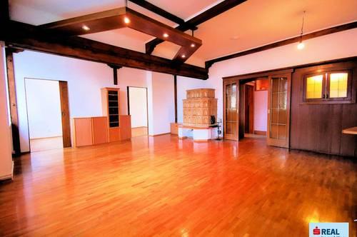Preishammer! Sanierte 3 Zimmer Altbauwohnung mit Garage