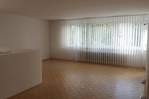 *privat* helle Wohnung mit Loggia in Top Lage