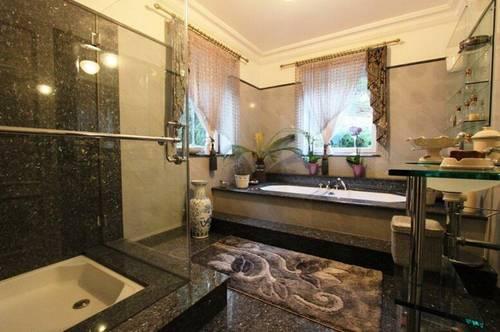 Luxus-Villa, Wohlfühloase mit Pool in Bestlage