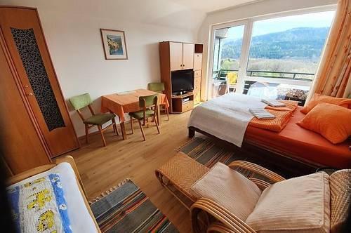 *RESERVIERT* Entzückendes Ferien-Appartement in Seenähe zur langfristigen Miete