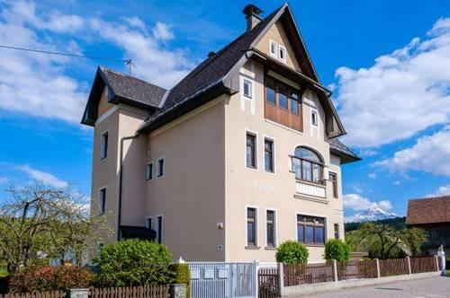 Stilvolles Zinshaus mit Baulandreserve