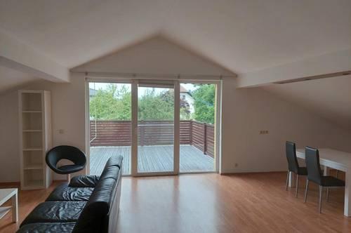 Haushälfte-Großzügige 4 Zimmer Wohnung mit Garten