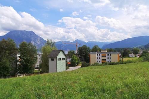 Mit Blick auf die Bergwelt und teilweise auf den Traunsee! Altmünster