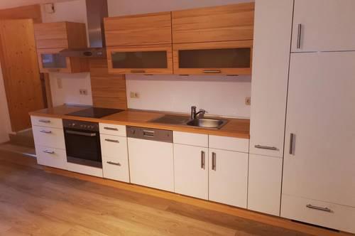 Komplett sanierte 2-Zimmer-Wohnung mit großzügiger Raumaufteilung