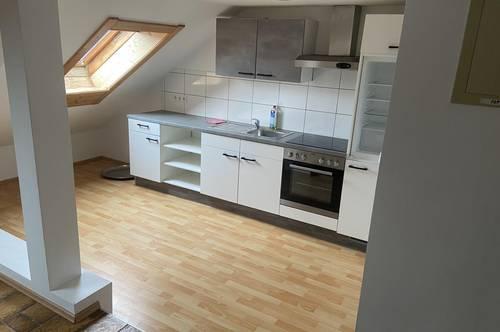 Dachgeschosswohnung zentral in Amstetten