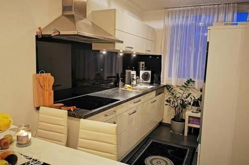 Gepflegte 2-Zimmer-Wohnung mit Balkon und EBK in guter Lage in Lehen