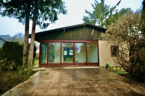 Einmalige Gelegenheit- renovierungsbedürftiges Ferienhaus in einer Seesiedlung