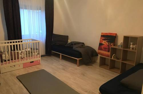 Stilvolle, geräumige Wohnung mit EBK in Traiskirchen