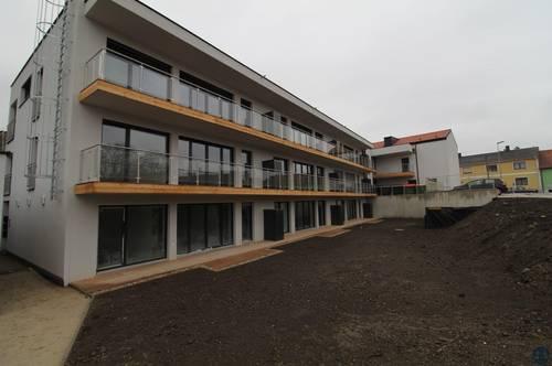 ERSTBEZUG & UNBEFRISTET: Schöne Erdgeschoßwohnung mit 3 Zimmer - Terrasse - Eigengarten!