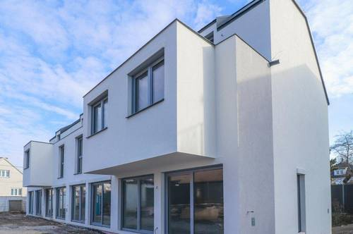 Reihenhaus mit Dachterrasse + Keller + Fußbodenheizung + elektr. Jalousien