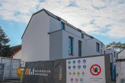 WELCOME Home: Reihenhaus mit Dachterrasse, Keller, Fußbodenheizung, elektr. Jalousien