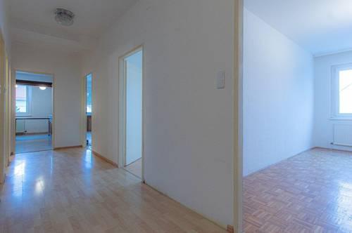 Sanierte 3 Zimmer Wohnung mit 94m² Wohnfläche und schön grünem Innenhof