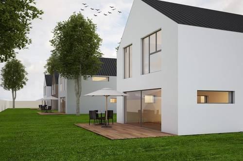 PAUL & Partner: ERSTBEZUG & UNBEFRISTET: Schöne Doppelhaushälfte mit 4 Zimmer, Keller, Garten, Fußbodenheizung