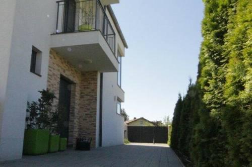 Repräsentative Villa möbliert in guter Lage