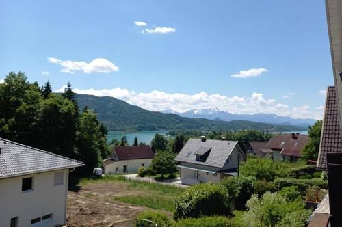Pörtschach: Haushälfte mit tollem Seeblick in sonniger Lage zum Renovieren.