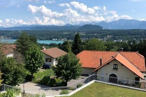Gemütliche Wohnung mit See und Panoramablick über den Dächern von Velden!