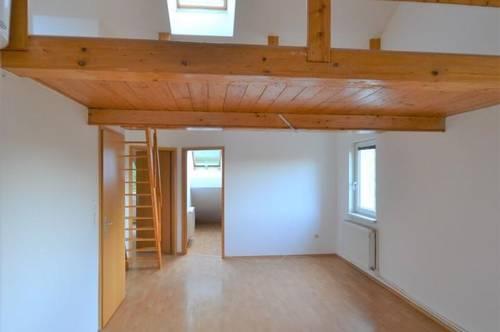 Preiswerte Dachgeschoß Wohnung 3 Zimmer, Wohnküche und zusätzliche Galerie