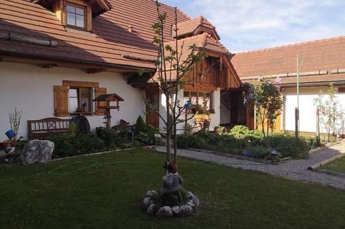 BIO -LANDHAUS mit ca. 4000qm Grund inkl. Werkstatt, Innenhof, Büro 2. Wohneinheiten möglich/Physio