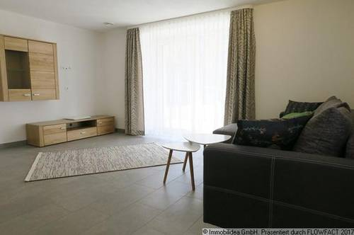 Moderne & voll möblierte 2,5 Zimmer Wohnung in Buch