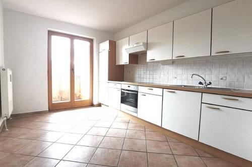 helle 3-Zimmer Wohnung mit 2 Balkone