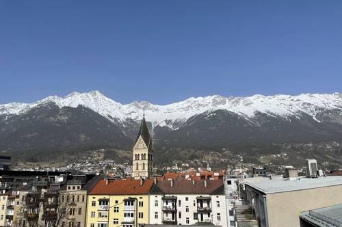 STUDENTEN WG ! 3 Zimmer Dachgeschoßwohnung mit Terrasse und Balkon!