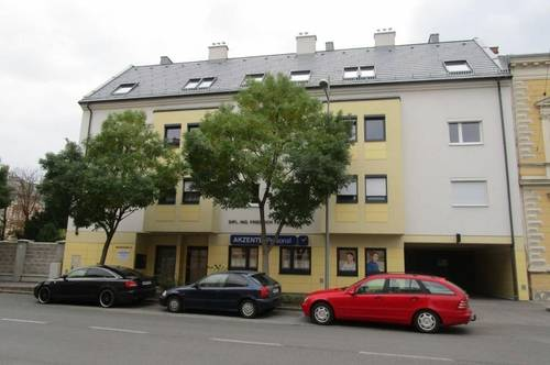 Wiener Neustadt - helle, neuwertige Wohnung in Bahnhofnähe