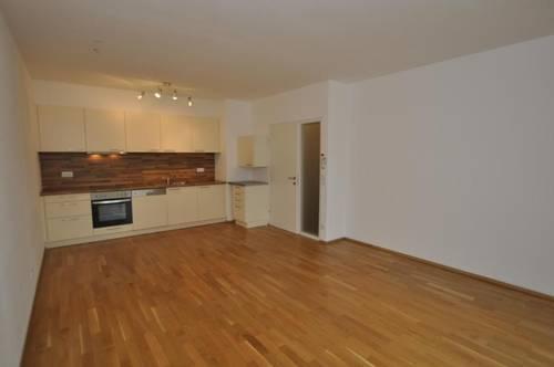 Johannahof II, absolut neuwertige 2-Zimmer-Wohnung mit 15m² Loggia und Garagenplatz