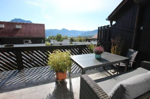 Beeindruckende Dachgeschoß-Maisonette mit See- und Gebirgsblick