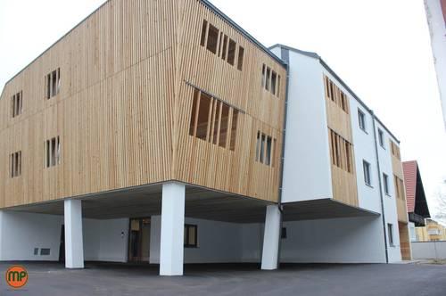 Wohlfühlen mit Holz - Wohnung mit Loggia